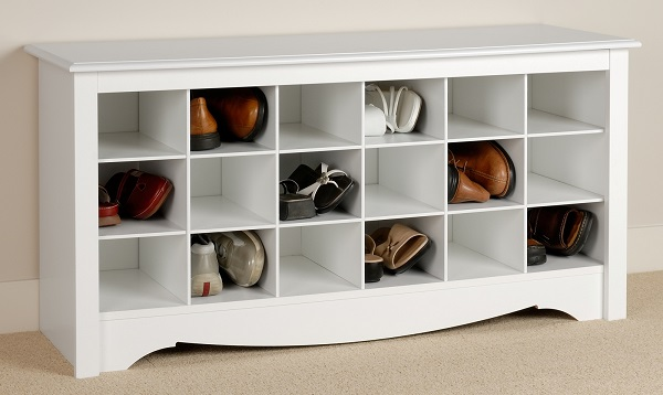 24 ideas para guardar los zapatos for Mueble zapatero plastico