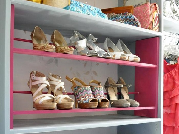 24 ideas para guardar los zapatos for Cuarto de zapatos