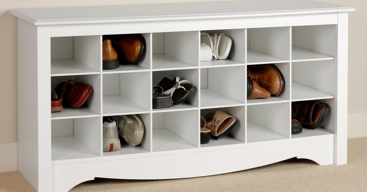 24 ideas para guardar los zapatos for Muebles poco espacio