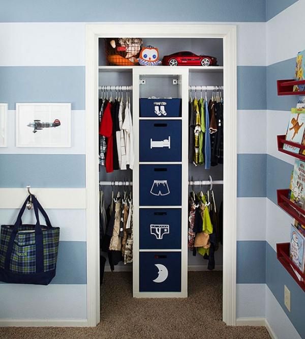 C mo poner en orden tu armario for Cajas para guardar ropa armario